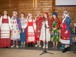 Representanter från olika urfolk: komi, udmurter, chanti och mari