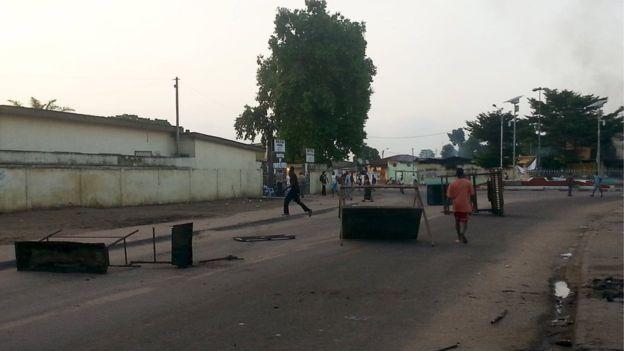 Skottlossning och brander i kongo