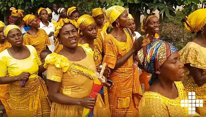 Film med kvinnor som dansar - internationella insamlingen