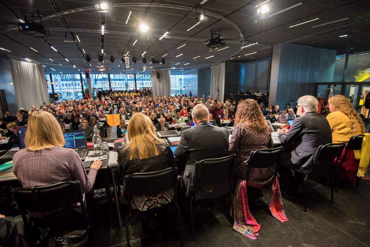 Presidiet Session två, kyrkomötet 2015
