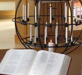 Bibel och ljusbärare